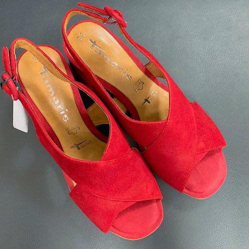 Sandálky Tamaris s prekríženými pásikmi