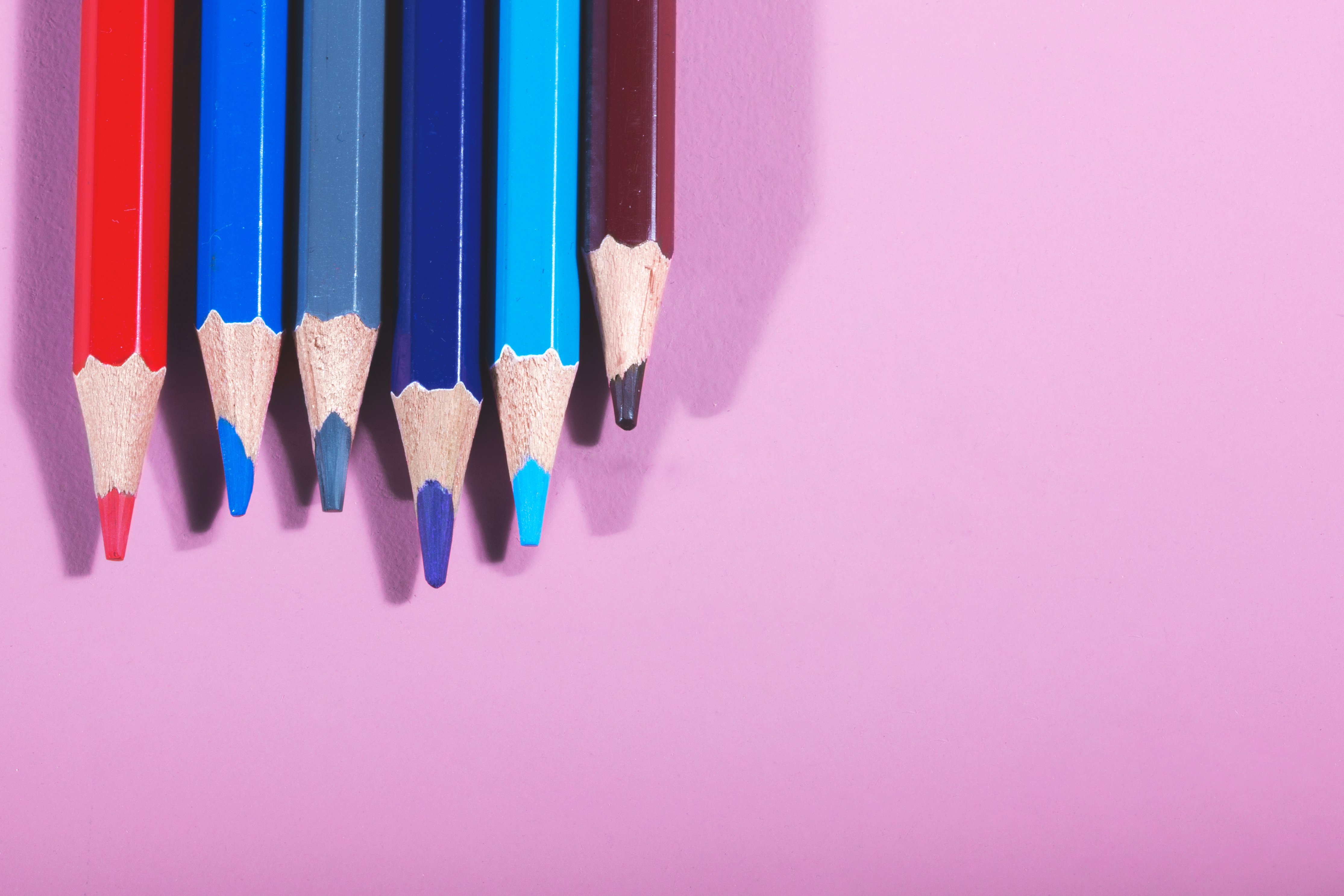 colored-pencils-on-pink