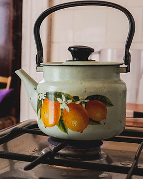 Bouilloire sur cuisinière à gaz