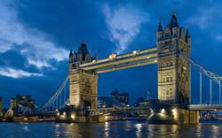 4203211-tower-bridge-london-twilight