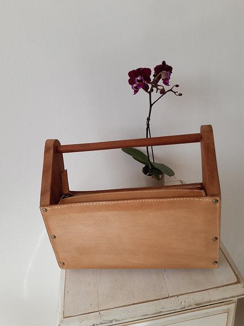 Bolsa caixote de couro e madeira ( lateral e alça)