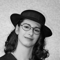 Eve Sperling as Margot Frank
