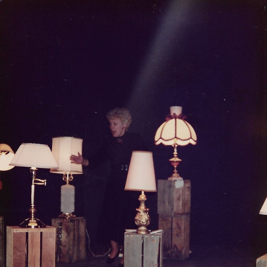 Miggs in 'Lamps'