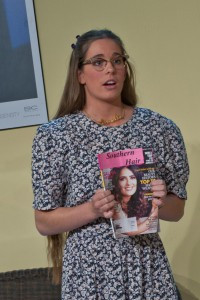 Hannah as Annelle