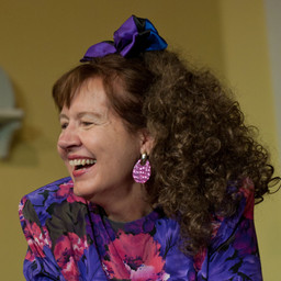 Melodie Hull as Ruthie