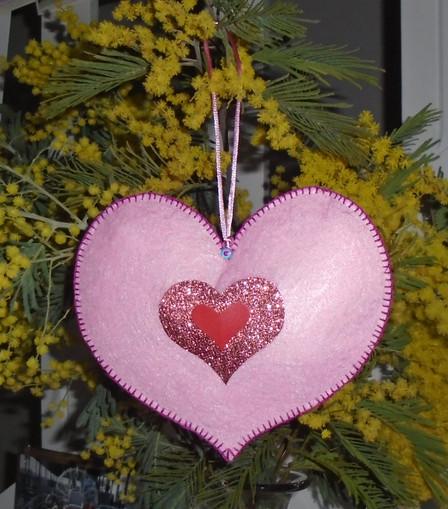 Coeur rose décoratif en feutrine côté recto