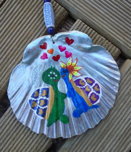Coquilles Saint Jacques tortues avec fleur