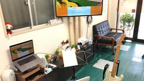教室に大きなモニターを設置しました!