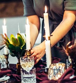 Was ist eine Zeremonienmeisterin?