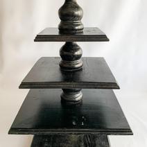 Cupcake Tiers Black Square