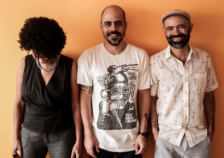 Sambas do Absurdo - Rodrigo Campos, Juçara Marçal e Gui Amabis (SP)