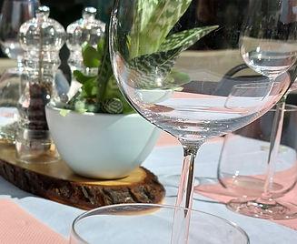 Terrassentisch mit Glas