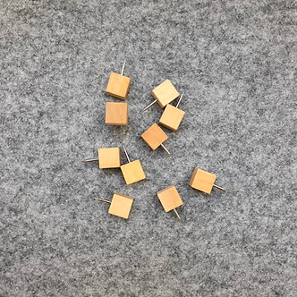 Wood Squares Push Pins (10 pk)