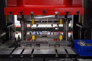 Hydraulic press machine and fixture maki