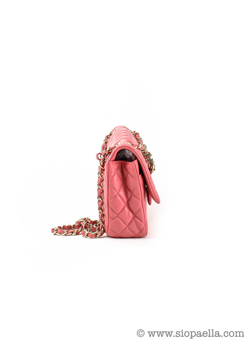 Chanel_small_pink_single_flap-3_1920x.pr