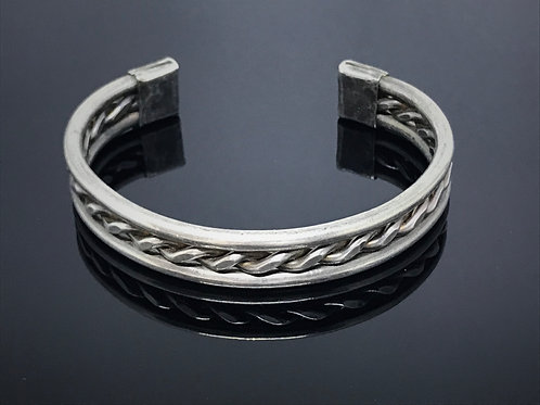 Heavy Gauge Twisted Cuff