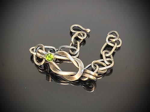 Mesa Verde Peridot Lovers Knot Bracelet