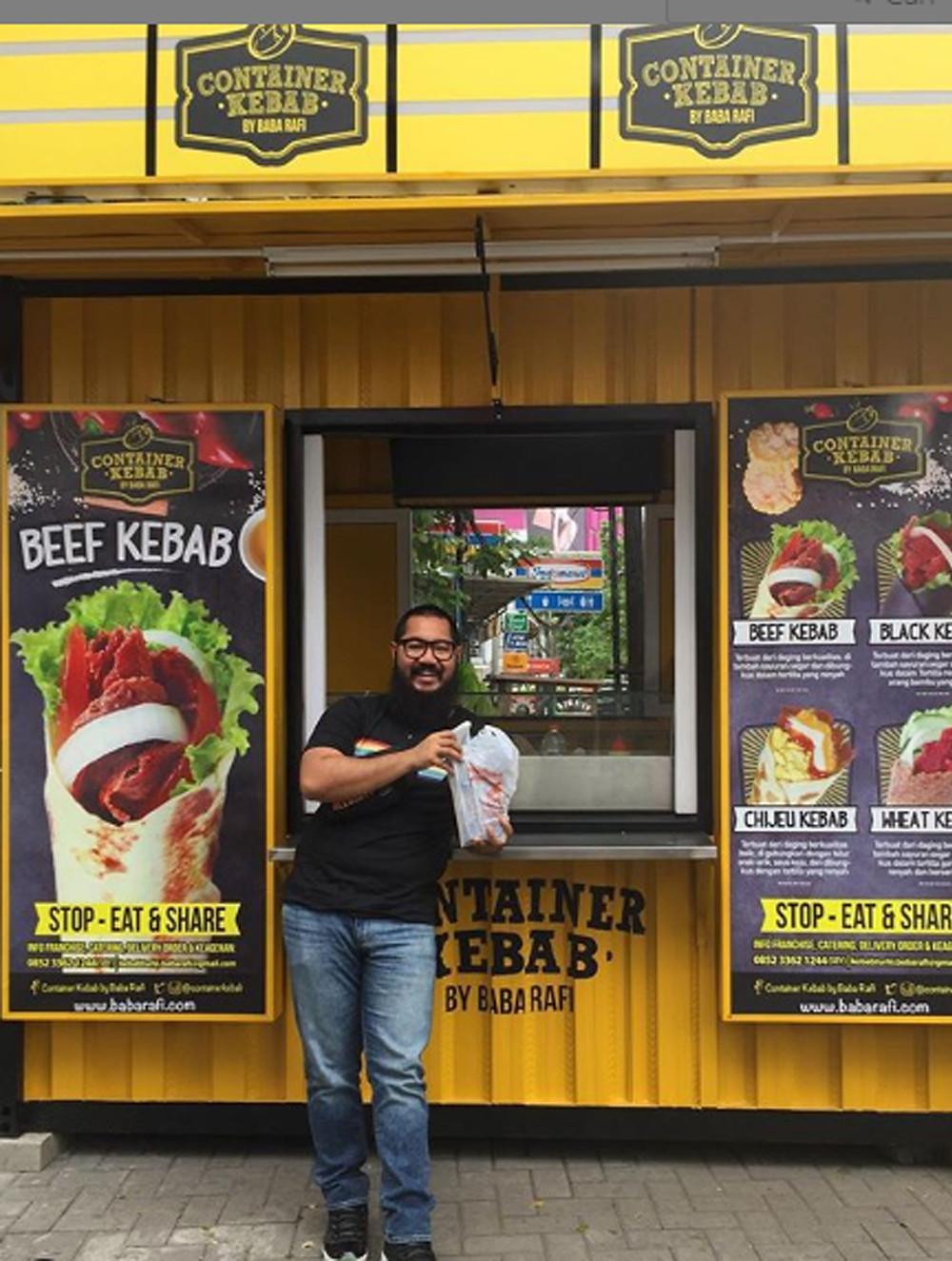 Pak Robert, Direktur untuk Bisnis Kontainer Kebab Capt.Hood Surabaya