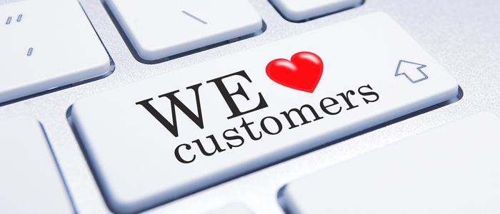 Melayani pelanggan sepenuh hati