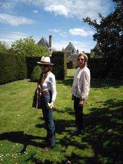 Herta Lans dans les jardins