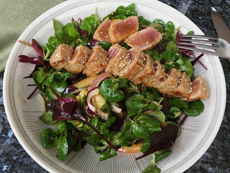Seared Tuna Salad with Sesame Ginger Dressing