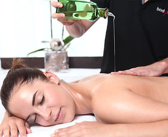 massage_ruecken_oel_IMG_7140_b.jpg