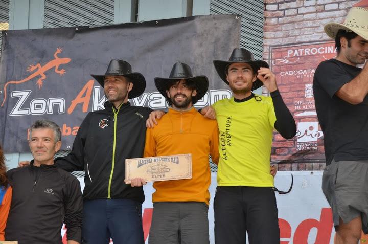 Juanfran y Sherpa Raid en el podium