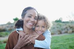 Nonna e nipote in Embrace