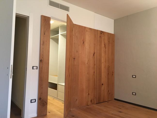 Camera con cabina-armadio nascosta.....