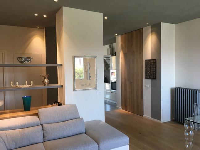 completato appartamento soffitto grigio........