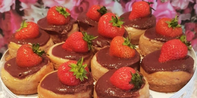 Mini Chocolate Strawberry Cheesecakes Poem (Bounce Bounce, Boing Boing)