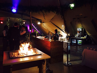 Staffordshire Wedding Tipi Bar