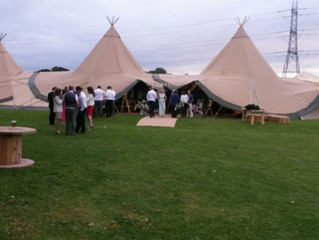 A weekend of mobile Bars in Tipis!
