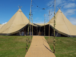 Wirral Tipi Wedding Bar