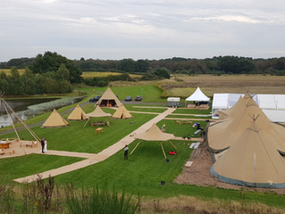 Horse Box Bar Marquee & Tipi Open Weekend