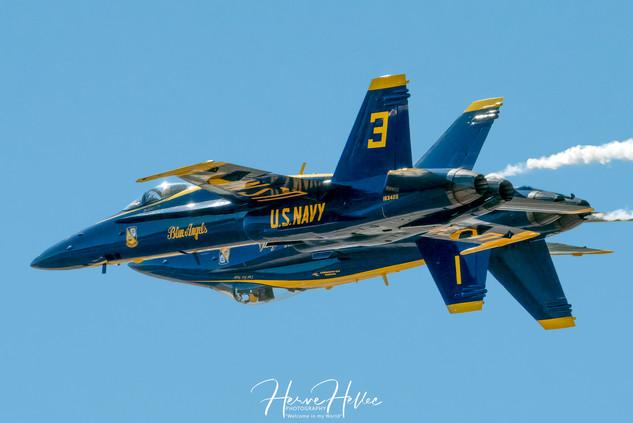 Blue Angels F:A-18 Hornet SIGNEE AAS_013