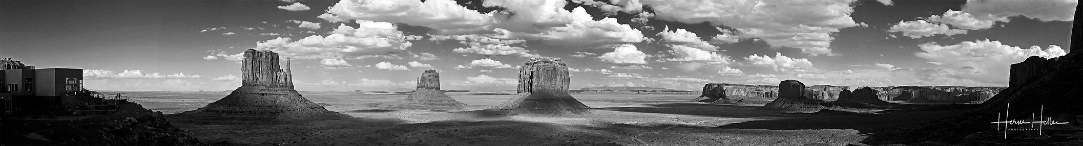 Panorama Monument valley N&B.jpg