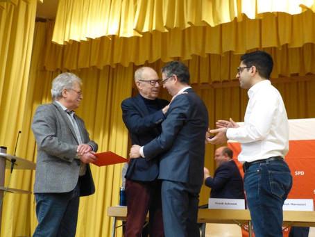 Rüdiger Veit für 50 Jahre Mitgliedschaft in der SPD mit der Willy-Brandt-Medaille geehrt