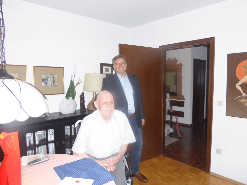 Claus-Jürgen Ladwig und SPD-Unterbezirksvorsitzender Frank-Til Becher