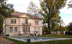 Mansion lake Geneva.jpg