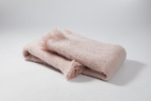 Echarpe ou foulard en Mohair couleur rose clair