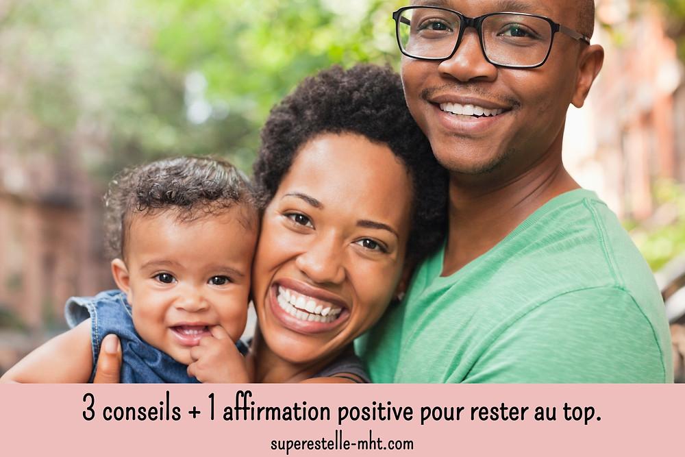 Protrait d'une famille heureuse. Blog positif et motivant, MyHappinessTherapy.