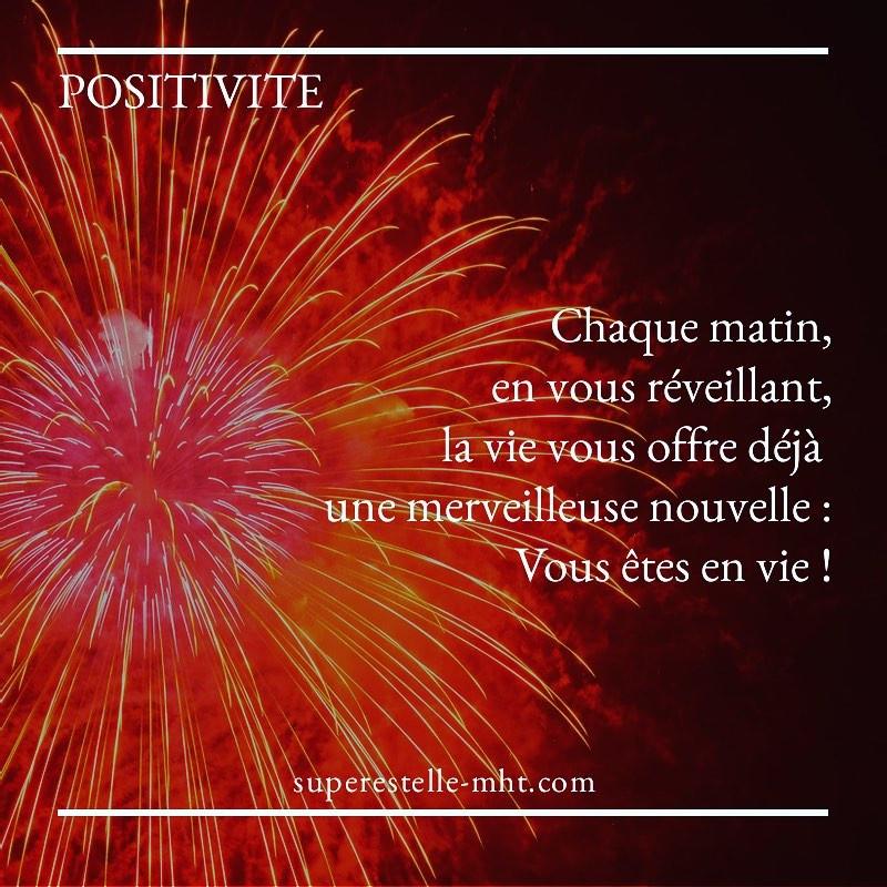 Devenir plus positif avec Estelle CHARLERY  et son blog MHT MyHappinessTherapy.!