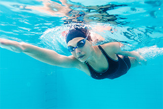 Can You Swim With Contact Lenses?