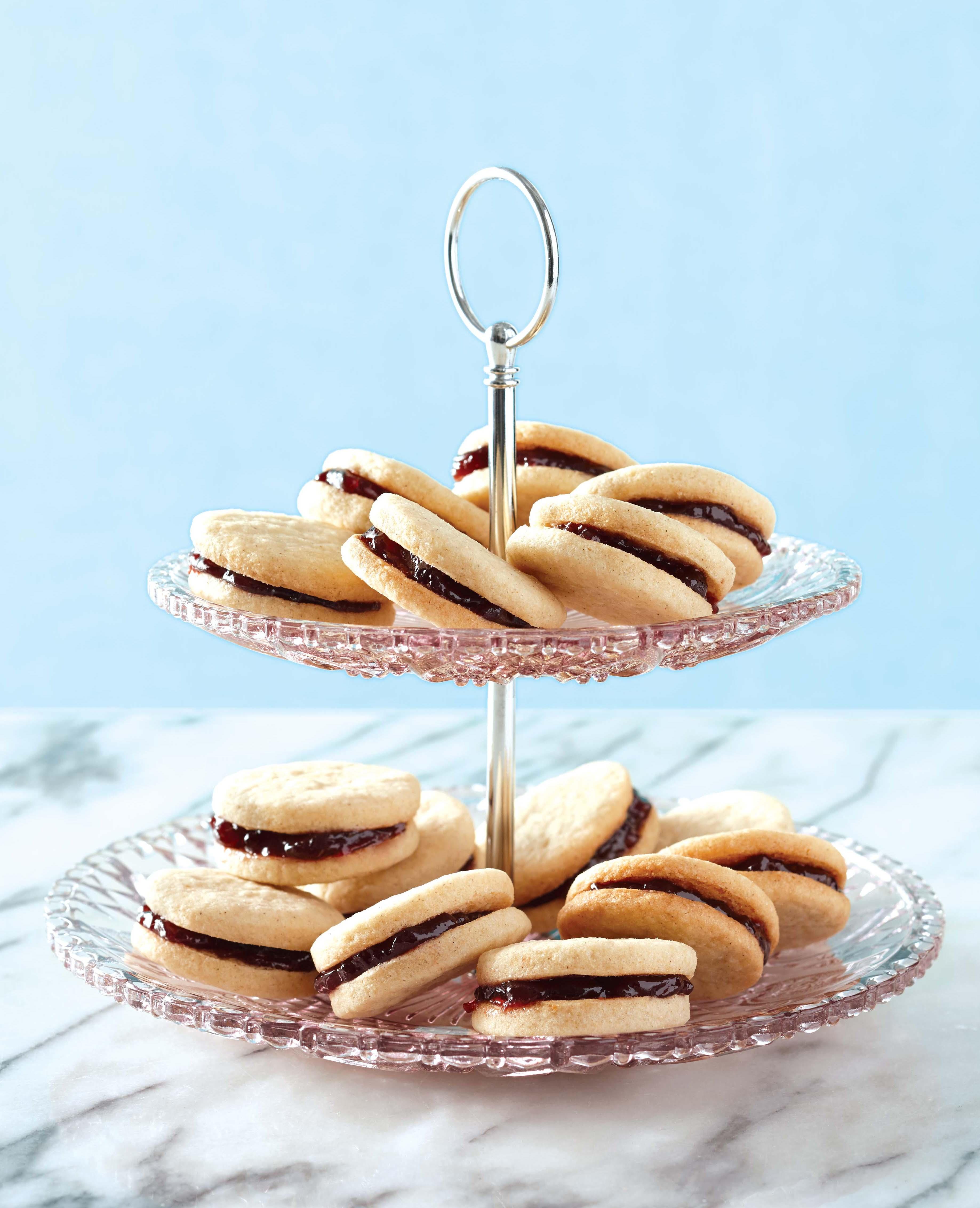 Vanilla-Raspberry  Sandwich Cookies