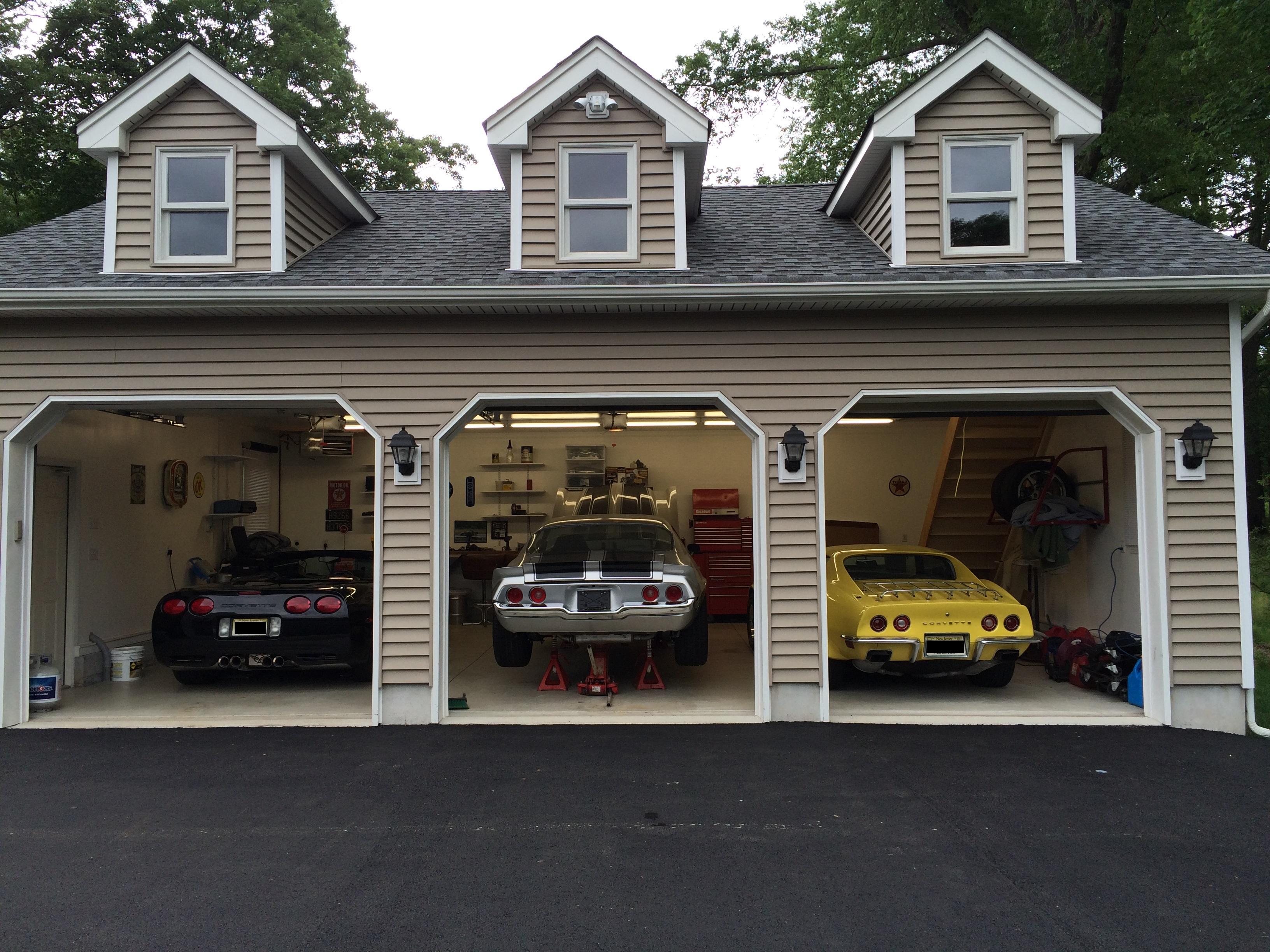 GarageDV8