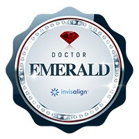 Premiação:Primeira Clínica Top DoctorInvisalign Emeralddo Brasil