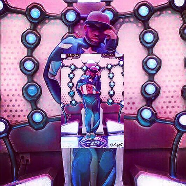 #ChazRoi #Seszio #KING  #NaughtyBunnies #ChazRoiRevolution  #BowLeggz #LegDay #mural _dialbenjamin