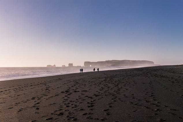 Black sand beach in Vík í Mýrdal © Katha