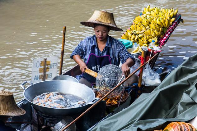 Damnoen Saduak Floating Market © Kathari